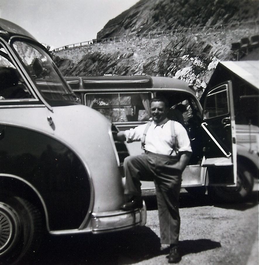 Scharf reisen 60er Jahre Bus