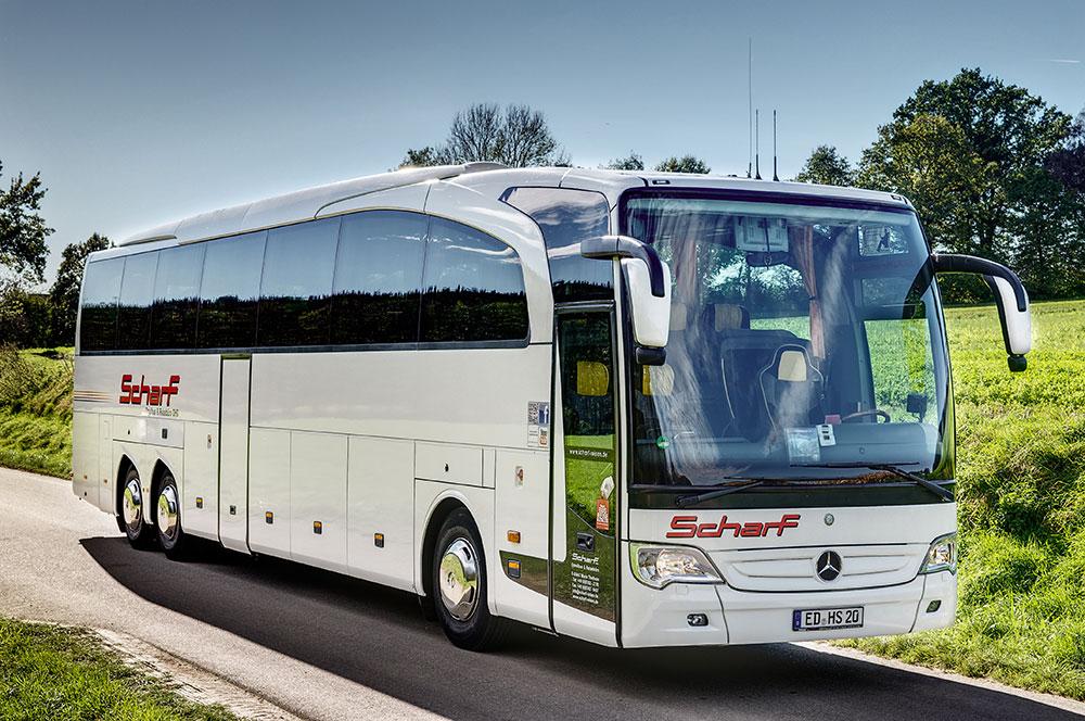 Fernreisesbus mit Bierausschank