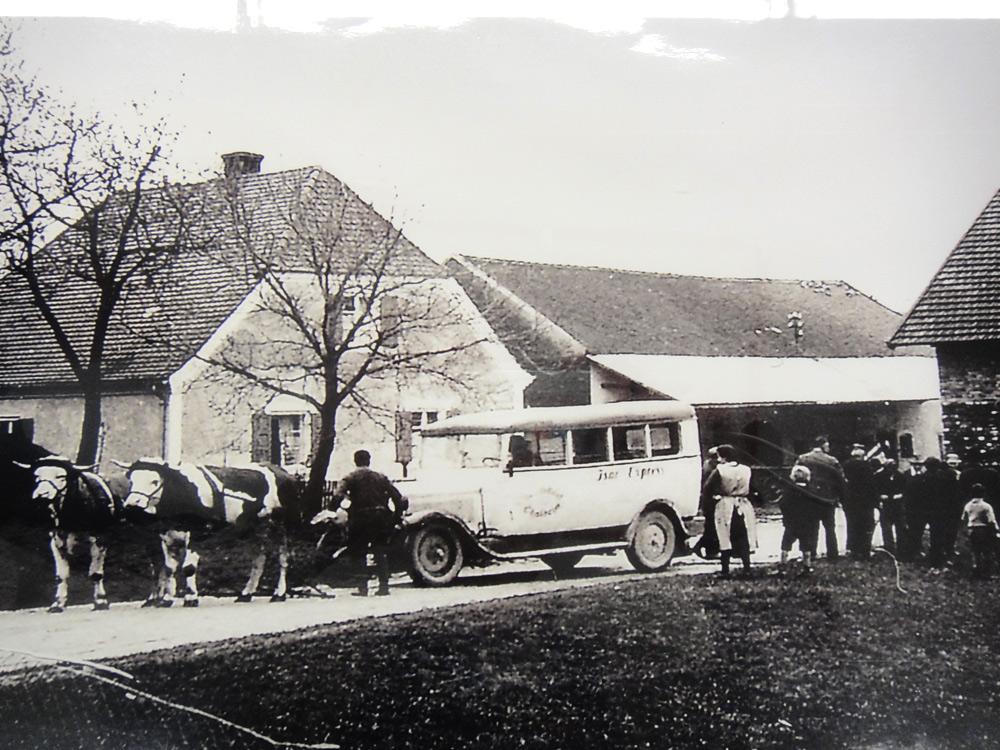 Scharf reisen 50er Jahre Bus